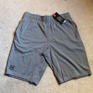 Under Armour men's knit shorts L NWT